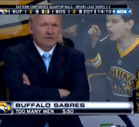 Bruins fan yells at Lindy Ruff